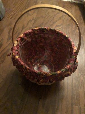 Longaberger Handwoven collectors basket with handle. Autumn leaves fabric liner and plastic removable liner included. Signed 1995. for Sale in Carrollton, TX