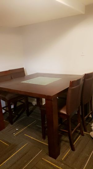 Wooden table a few months old for Sale in NEW CARROLLTN, MD