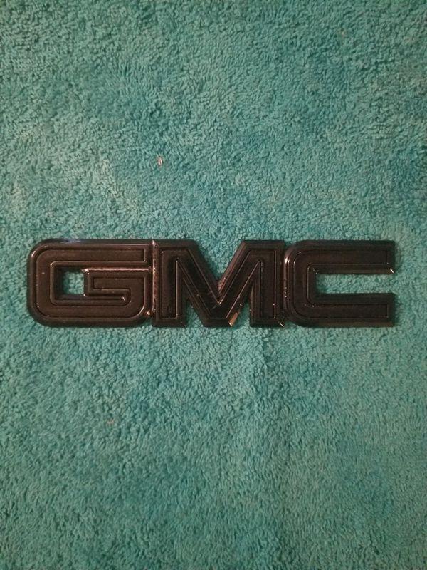 GMC Tailgate Emblem ( OEM )
