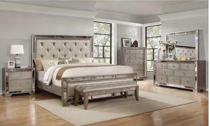 Gold/Mirror Elegant Queen Bedroom Set for Sale in Des Plaines, IL