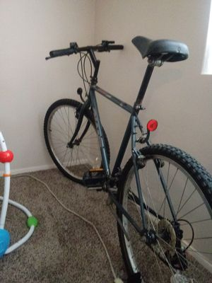 Boulder 500 GIANT Mtn Bike for Sale in Parma, OH