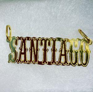 Se asen nombres en plata925 con baño amarillo for Sale in Chicago, IL