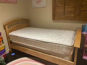 Twin bed for Sale in Pasadena, CA