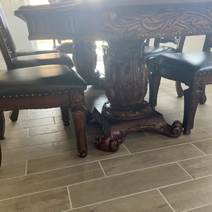 OFFER DELIVERY Custom Dining Table fits 8 for Sale in Clovis, CA