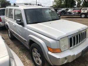 2007 Jeep Commander for parts only. (Runs) for Sale in Modesto, CA