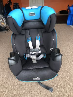 Evenflo Platinum Series Car seat for Sale in Graham, WA