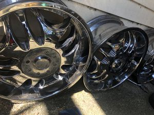 20 inch rims chromes good condition for Sale in Laurel, MD