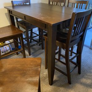 Brown High Top Table for Sale in San Jose, CA