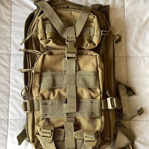 Military Daypack (small) - Coyote Tan for Sale in Lynnwood, WA