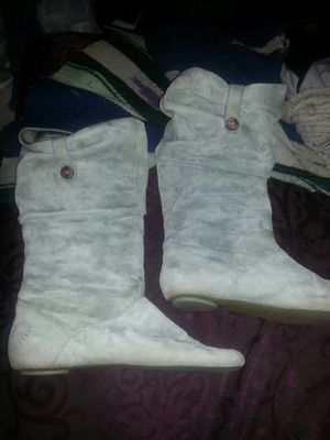 UGGS AUSTRALIA LEATHER BOOTS SIZE 10 GREAT CONDITION for Sale in Glen Burnie, MD