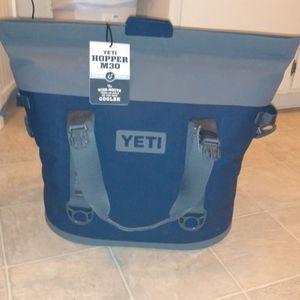 Yeti Hopper M30 Cooler for Sale in Santa Rosa, CA