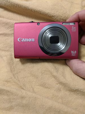 Like new Canon Camera make offer for Sale in Independence, OH