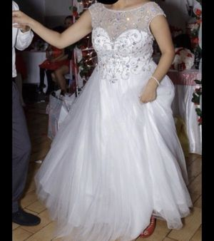 Beautiful white dress for Sale in Bronx, NY