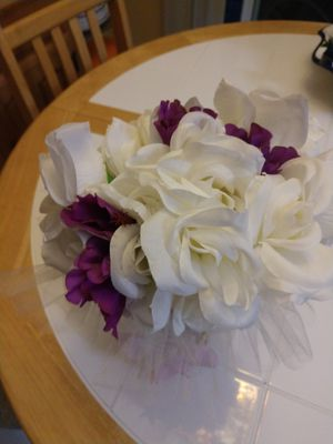 Elegant Purple Center Piece glass vase for Sale in Davenport, FL