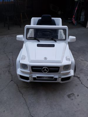 Mercedes-Benz Power Wheel Toy truck to drive for Sale in Paramount, CA