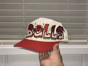 Vintage Chicago bulls snapback for sale!!! for Sale in San Antonio, TX