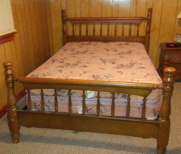 Sale Pending! Bedroom Set