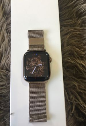 44mm Apple Watch Series 4 Gold Stainless Steel for Sale in Coronado, CA