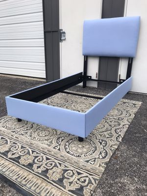 New TWIN size bed frame with headboard for Sale in Columbus, OH