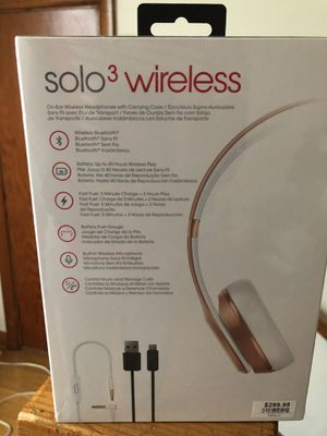 Beats by Dre .SOLO 3 wireless headphones for Sale in Parkersburg, WV