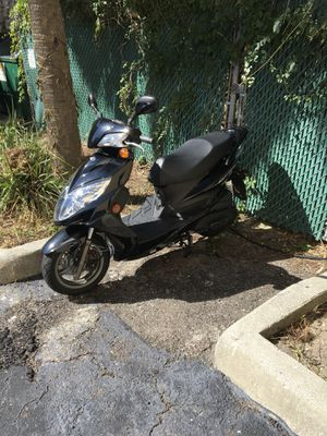 Kymco scooter 1500cc for Sale in Jacksonville, FL