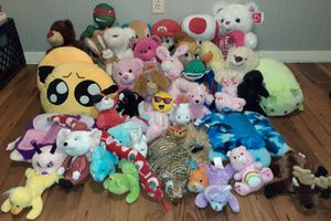 STUFFED ANIMALS BUNDLE for Sale in Irving, TX