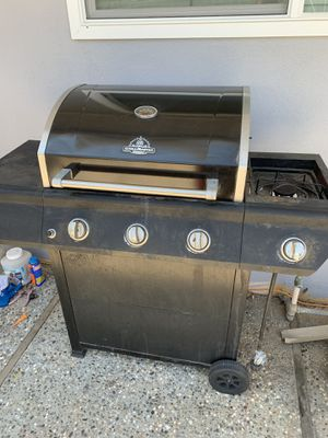 BBQ grill for Sale in Yuba City, CA