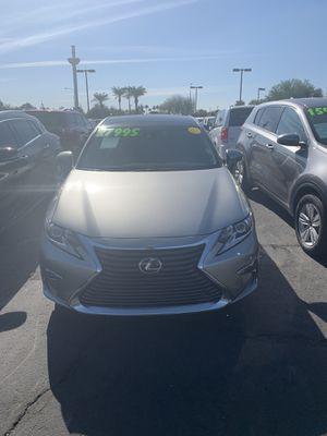 Used 2017 Lexus ES 350/ V6 cylinder engine/ super clean just got on the lot🚗😎 for Sale in Chandler, AZ