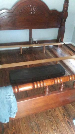 King size bed frame for Sale in Pasadena, TX