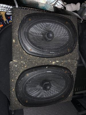 Speakers and amp for Sale in San Diego, CA