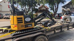 Mini Excavator John Deere 17g for Sale in Houston, TX