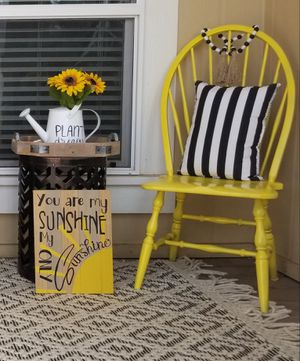 Chair ,Accent yellow chair and sunshine sign for Sale in Valley Center, CA