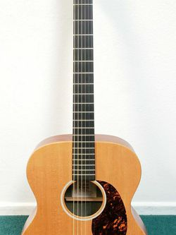 Exquisite Martin Acoustic/Electric Guitar for Sale in Newport Beach,  CA