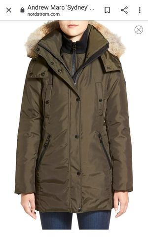 Andrew Marc Sidney Coyote fur womens down parka XL for Sale in Bevier, MO