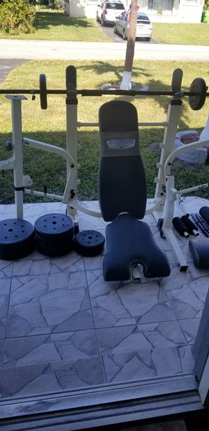 100 lbs bench weights. All parts included for Sale in Fort Lauderdale, FL