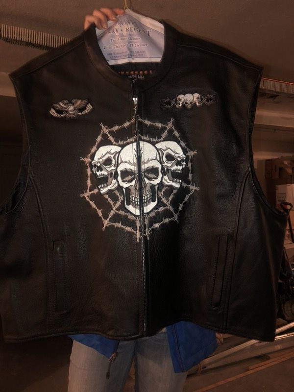 Motorcycle leather vest 4xl or 3xl