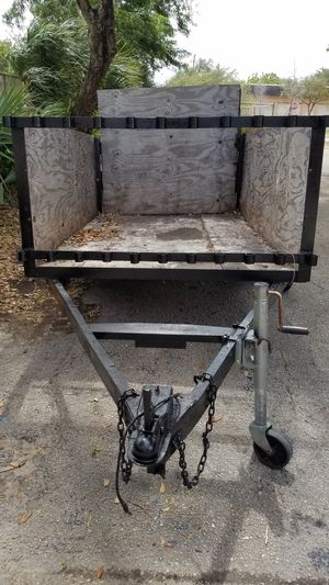 UTILITY TRAILER ALMOST NEW 5 X 8 FT for Sale in Coconut Creek, FL