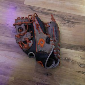 Demarini Baseball Glove for Sale in Seminole, FL