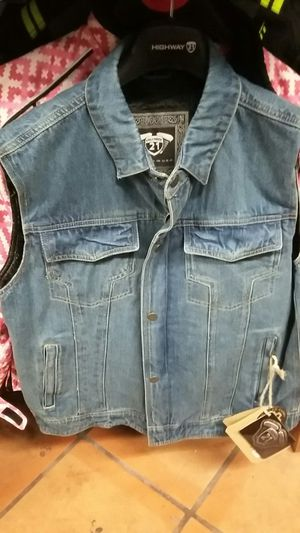Motorcycle denim vest with spine protector size medium brand new for Sale in Los Angeles, CA