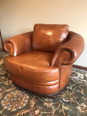 Leather chair for Sale in Wichita, KS
