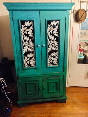 Antique armoire!!! Heavy duty for Sale in North Hollywood, CA
