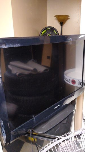 Phillips tv for parts as is 32 inches for Sale in Addison, IL