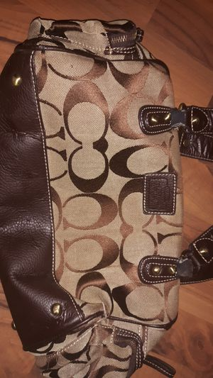Coach purse,slightly worn straps. for Sale in Silsbee, TX
