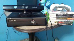 Xbox 360 w kinnect for Sale in Altoona, WI