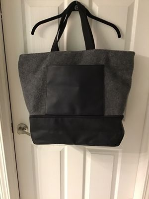 Large duffel tote bag for Sale in Gurnee, IL