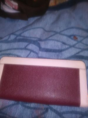 Maroon and pink Kate Spade wallet zip around brand new with tags for Sale in Rodeo, CA