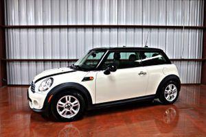**REDUCED** 2013 Mini Cooper white 2 dr Auto for Sale in Miami, FL