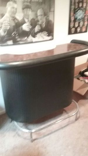 Leather Bar and stools for Sale in Plainfield, IL