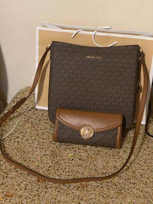 Michael Kors Brown Messenger Bag and Wallet Set for Sale in Colton, CA