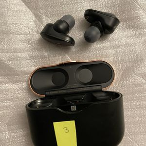 Sony WH-1000XM4 Wireless Industry Leading Noise Canceling Overhead Headphones with Mic for Phone-Call for Sale in Claremont, CA